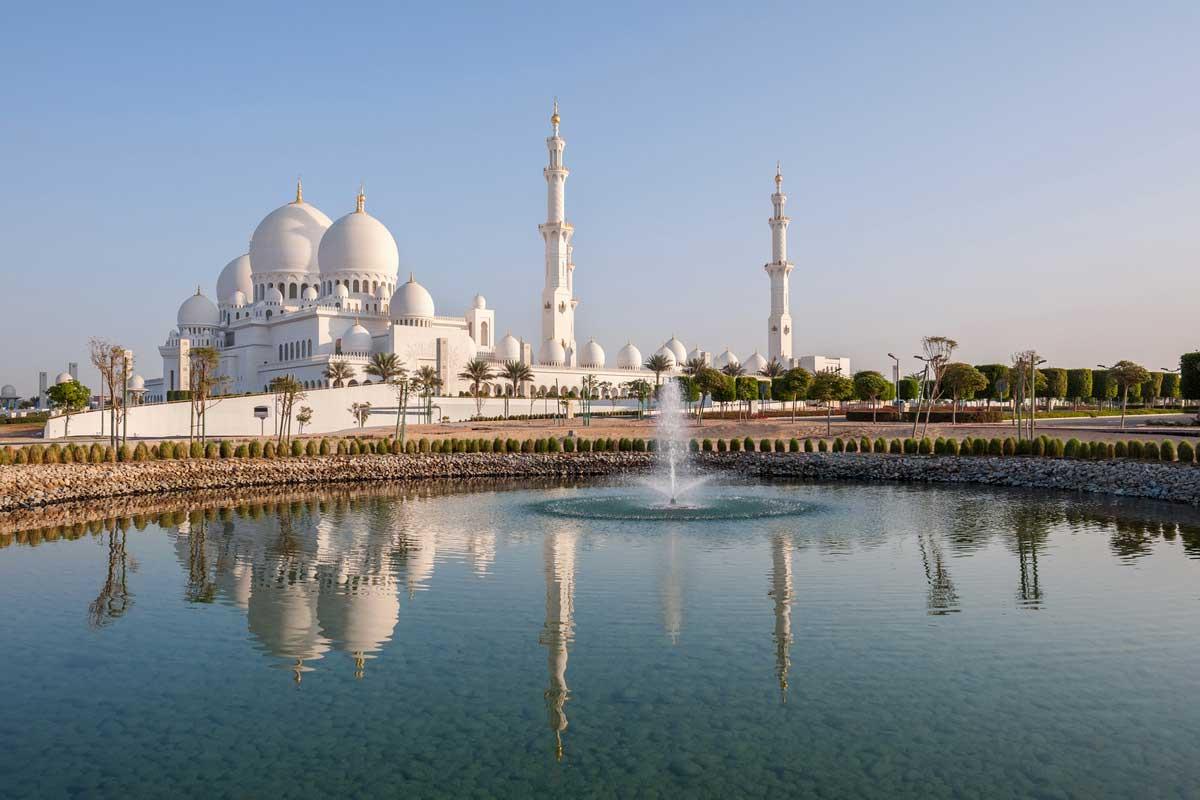 Abu Dhabi City Tour<br >アブダビ市内終日観光(日本語ガイド&ホテル送迎付)