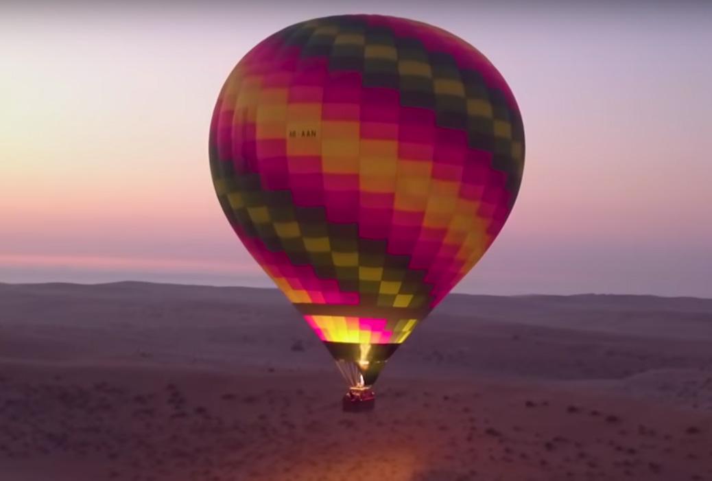 Hot Air Balloon Ride Tour in Desert<br >砂漠で気球ツアー(60分フライト +鷹狩ショー + 朝食 + ホテル送迎付き)